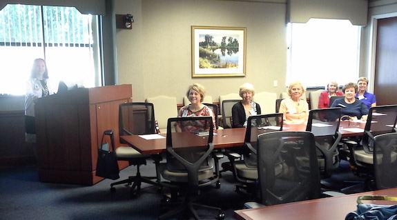 phyllis-deantonio-presenting-to-service-league-members-and-vidant-personnel